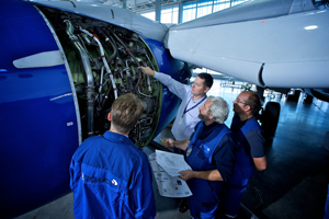 FL Technics Training signs a Boeing 737 NG training deal with SIA Engineering Philippines